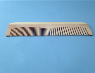 Earthline: Wooden Comb Large 602